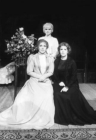 3 sisters jako Irina